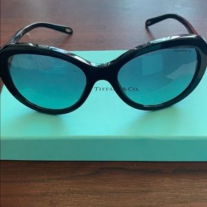 Tiffanys sunglasses New! in box with receipt